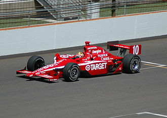 Dan Wheldon - Wheldon practising for the 2007 Indianapolis 500