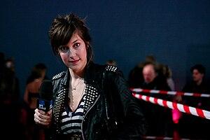 Daphné Bürki - Daphné Bürki, reporting for L'Édition spéciale, during the pumps race held in Paris on 21 November 2008.