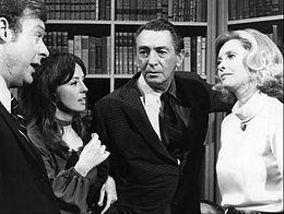 Susan Flannery (a destra) nel cast della soap Il tempo della nostra vita nel 1971