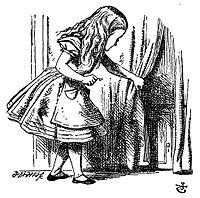 Alice med en nøgle til en dør som er for lille.