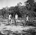 De jongens John en Anthonius, kleinzoons van de Christen-Indiaanse kapitein Abra, Bestanddeelnr 252-6454.jpg
