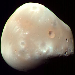Deimos (moon) - An enhanced-color image of Deimos (MRO, 21 February 2009). Image: NASA/JPL-Caltech/University of Arizona