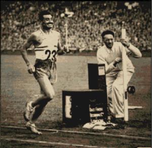 English: Delfo Cabrera is winning marathon at ...