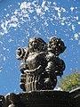 Detalles de la Fuente de San Miguel Arcángel, Zócalo de Puebla 04.jpg