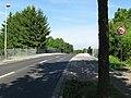 Die sanierte Lieth-Brücke über den Bahnschienen - panoramio.jpg