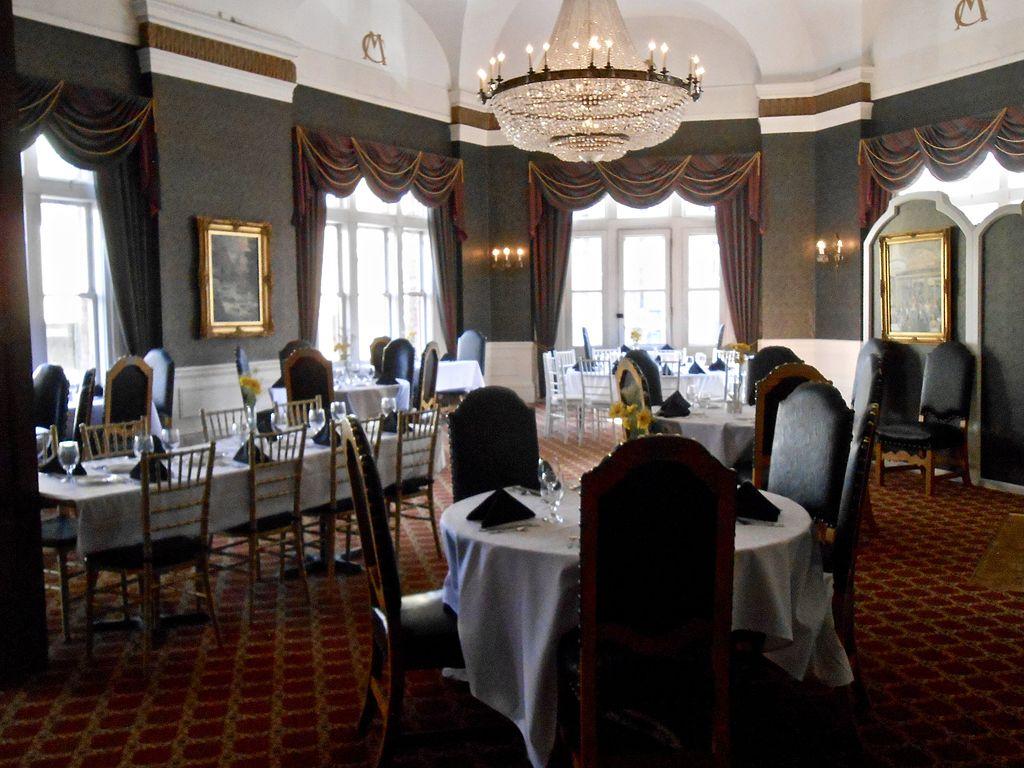 the helena may dining room | File:Dining room Montana Club, Helena, Montana 08.jpg ...
