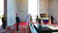 Dmitry Medvedev at the Independence Monument, Phnom Penh.png