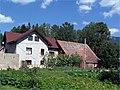 Dom so slnečnicami - panoramio.jpg