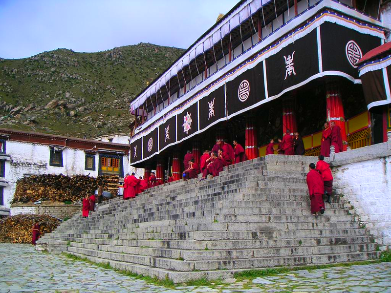File:Drepung Monastery.png