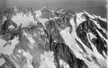 ETH-BIB-Aiguille de Triolet, Aiguille Verte v. S. aus 4500 m-Inlandflüge-LBS MH01-005183.tif