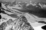 ETH-BIB-Dufourspitze, Gornergletscher, Matterhorn v. O. aus 4900 m-Inlandflüge-LBS MH01-006201.tif