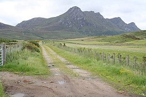 English: Easy to follow The walk up ben Loyal ...