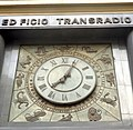 Edificio Transradio Internacional Reloj signos zodíaco 02.JPG