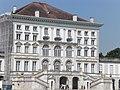 Eingangsgebäude Schloss Nymphenburg.jpg