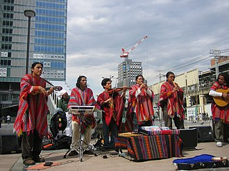 Andean music - Street band from Peru performing El Cóndor Pasa in Tokyo