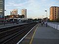 Elephant & Castle mainline stn Southeastern platforms look north.JPG