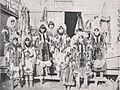 Emil Brass, Im Reiche der Pelze, Seite 179, Eskimos, die Felle nach Nome (Alaska) gebracht haben.jpg