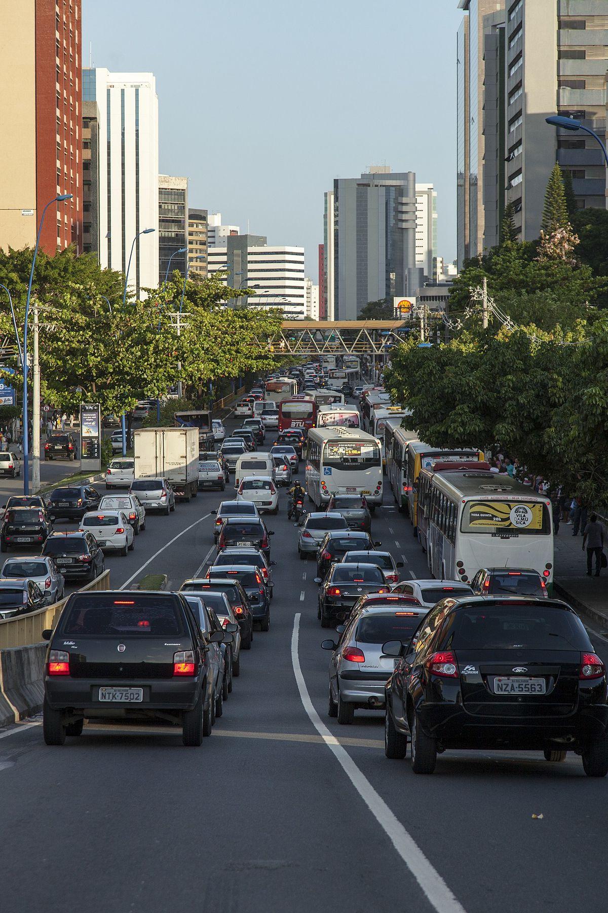 Avenida Tancredo Neves (Salvador) – Wikipédia, a