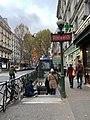 Entrée Station Métro Pyrénées Paris 1.jpg