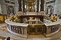 Entrée de la Tombe de saint Pierre dans la Basilique Saint-Pierre.jpg