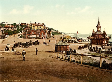 Photochrom of the entrance to the pier, 1890s Entrance to the pier, Bournemouth, England, 1890s.jpg