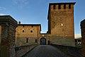 Entrata del castello di Argine - panoramio.jpg