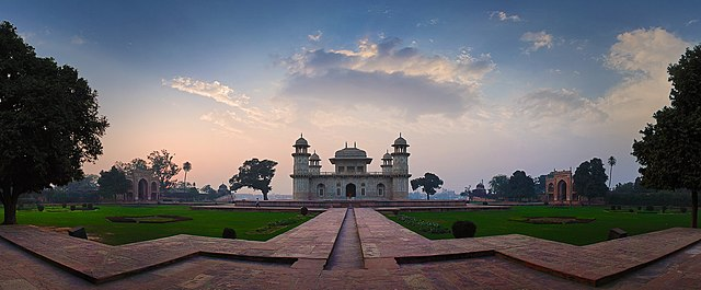 4th place: Itimad-ud-Daula's Tomb, by Asitjain