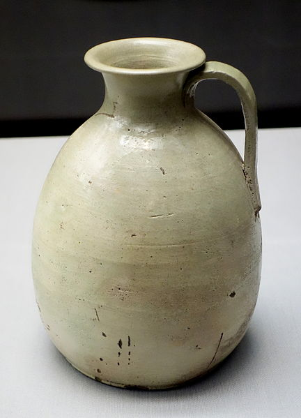 File:Ewer with handle, Sanage ware, Heian period, 10th century, green glaze - Tokyo National Museum - DSC05224.JPG
