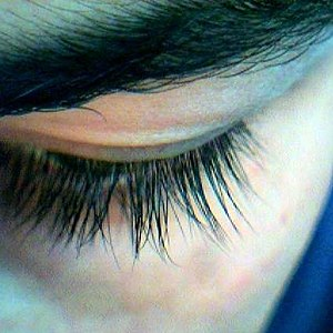 growing longer eyelashes