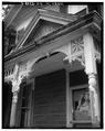 FRONT PORCH DETAIL, LOOKING NORTHWEST - Anderson House, 1111 Myrtle Avenue, Cincinnati, Hamilton County, OH HABS OHIO,31-CINT,65-2.tif