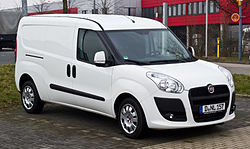Fiat Doblò Cargo Maxi 1.6 16V Multijet (II) – Frontansicht, 3. März 2013, Düsseldorf.jpg