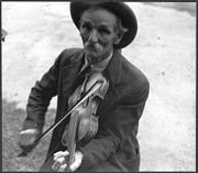 Fiddlin' Bill Hensley, mountain fiddler, Asheville, North Carolina (LOC)