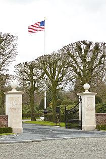 Flanders Field American Cemetery (Waregem) 1.JPG