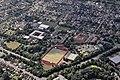 Flug -Nordholz-Hammelburg 2015 by-RaBoe 0248 - Syke, Schulzentrum und Sportplatz.jpg