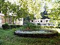 Fonntanna w zasp pałacyku Lobecka w Brzegu,położona od frontu willi.sienio.JPG