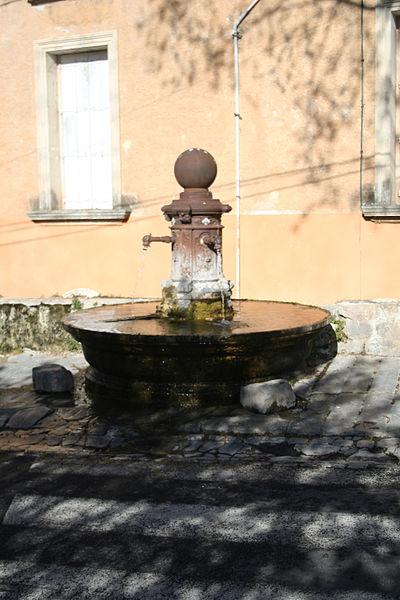 Fontès (Hérault) - fontaine
