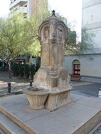 Font de la plaça Molina.jpg