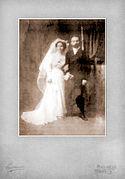 Fotografía de boda de Cándido Rodríguez Gil con Manuela del Barrio García en 1910.jpg