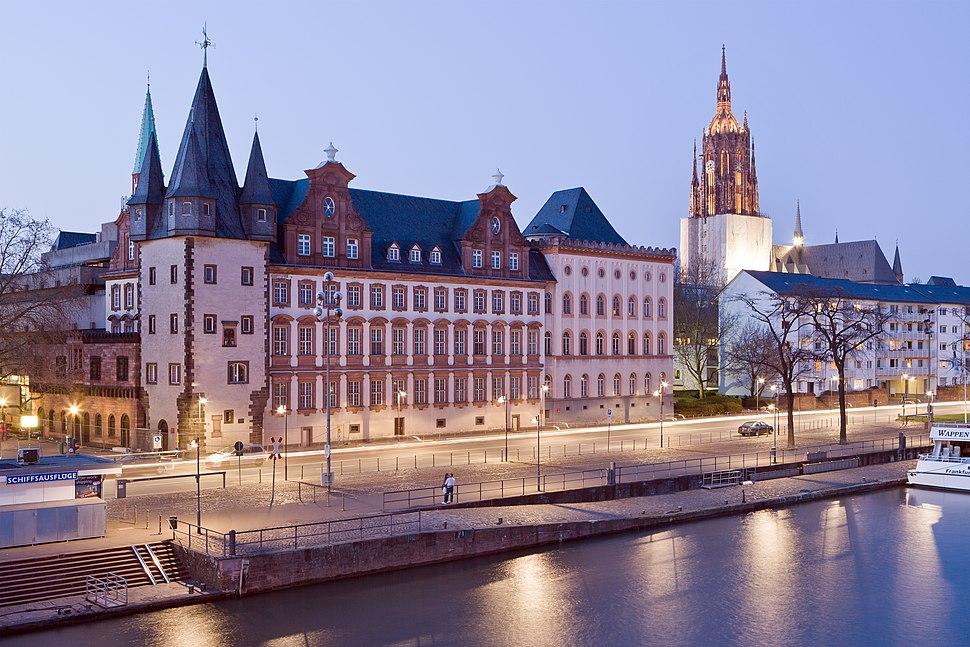 Frankfurt Am Main-Saalhof-Ansicht vom Eisernen Steg