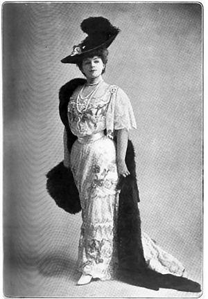 Gabrielle Réjane - Bystander Magazine; 1906