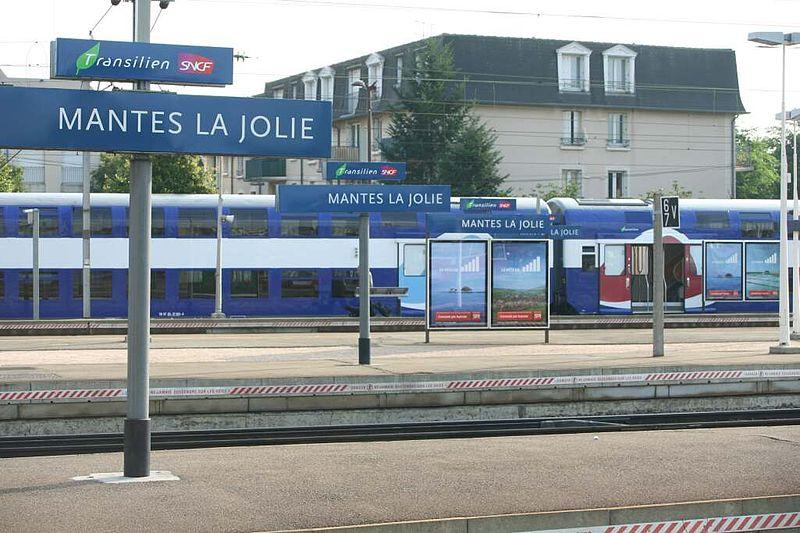 File:Gare de Mantes-la-Jolie01.jpg