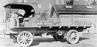 Superior Coach Company - Truck of the Garford Motor Truck Company
