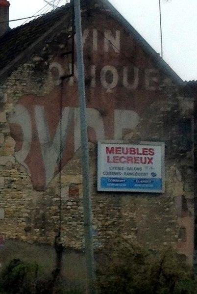 "Ghost sign ""BYRRH"" in Oisy (Nièvre)."