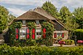 Giethoorn Netherlands Channels-and-houses-of-Giethoorn-10.jpg