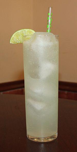 Rickey (cocktail) - Image: Gin Rickey