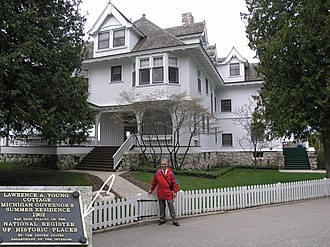 Mackinac County, Michigan - Image: Governor's Mansion (MI) panoramio