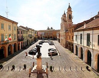 Guastalla - Image: Guastalla, piazza mazzini 03