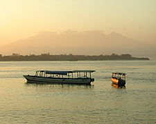 Gunung Rinjani from Gili Trawangan 1.jpg