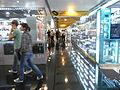HK CWB 皇室堡 Windsor House computer mall corridor 02.JPG