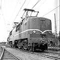 HUA-151153-Afbeelding van de electrische locomotief nr. 1207 (serie 1200) van de N.S. op het emplacement te Utrecht.jpg